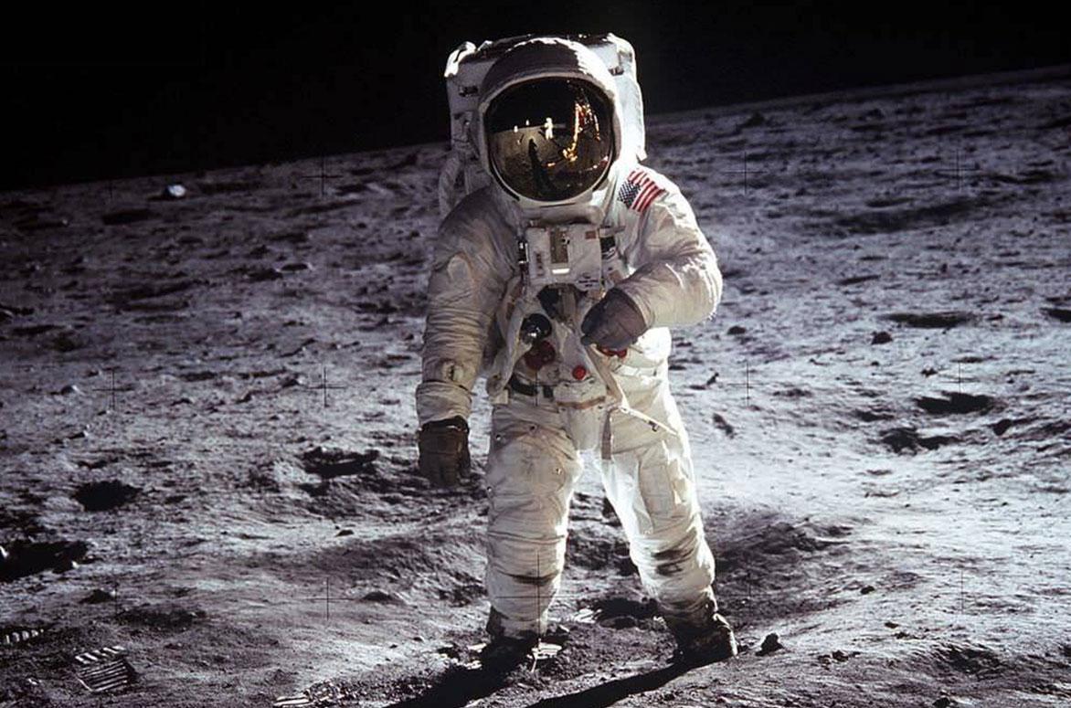 """Erwiz """"Buzz"""" Aldrin mentre cammina sul suolo lunare il 21 luglio 1969"""